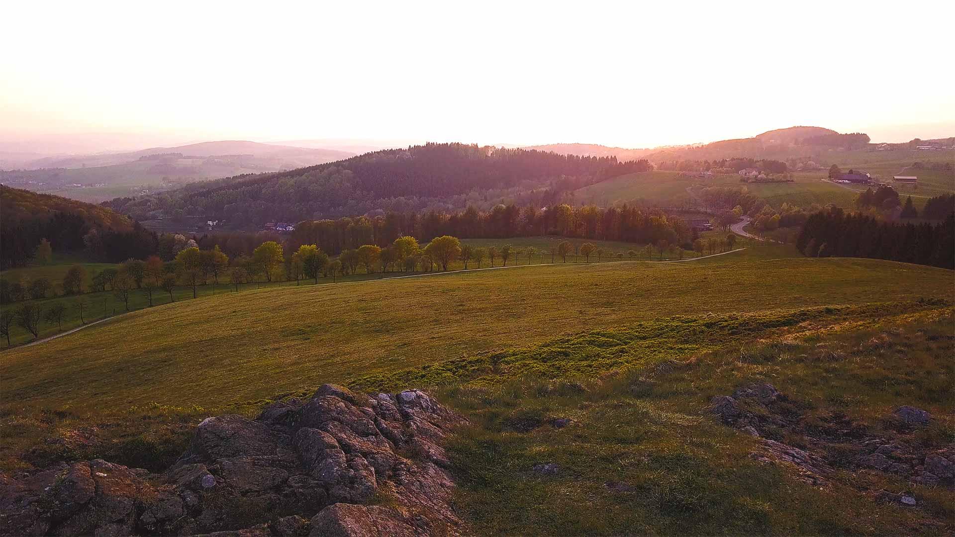 Rhön - Sonnenuntergang Aussicht auf Landschaft am Grabenhöfchen